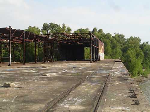 rusty-old-iron-dock-2-concrete