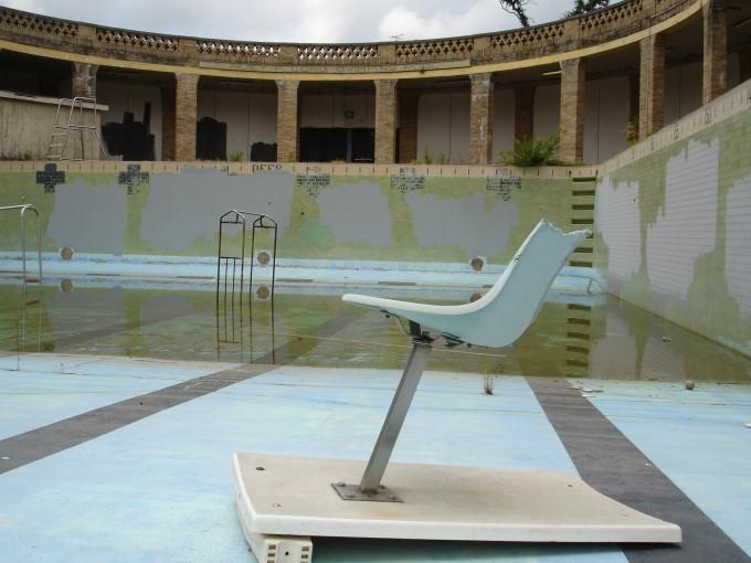 seat-poolhouse